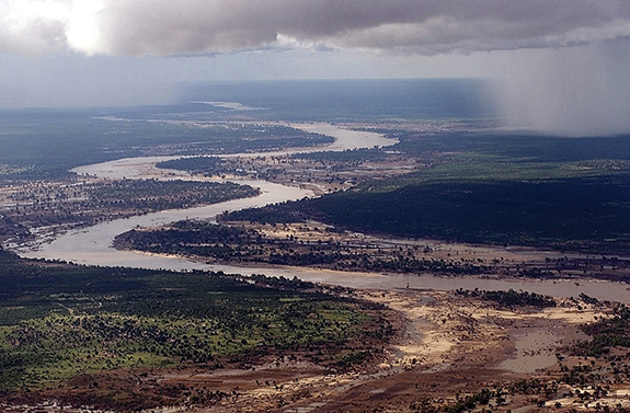 Aerial view of the Limpopo River as it winds its way through southern Mozambique, where it often crests its banks and sends floodwaters rushing through towns and farmland. Source: U.S. military